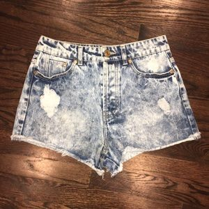 Refuge high waist acid wash distressed shorts